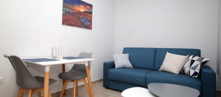 ενοικιαζόμενα δωμάτια με δύο χώρους και κουζίνα Καβάλα