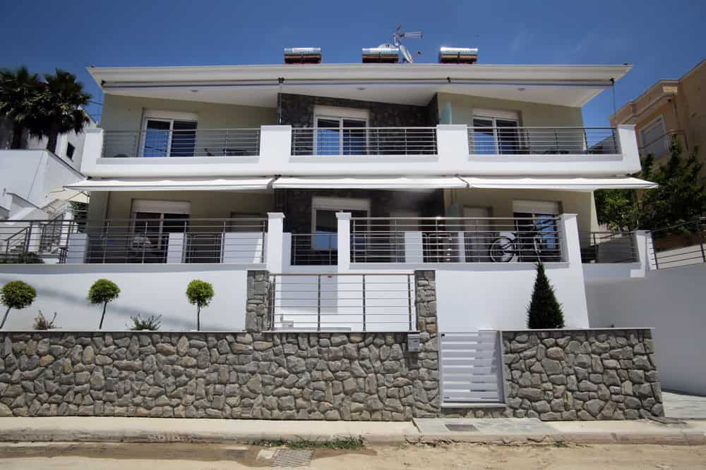 Fully equipped rented rooms in Kavala
